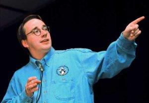 Fotografía de Linus Torvalds, creador del kernel Linux, corazón del sistema GNU/Linux